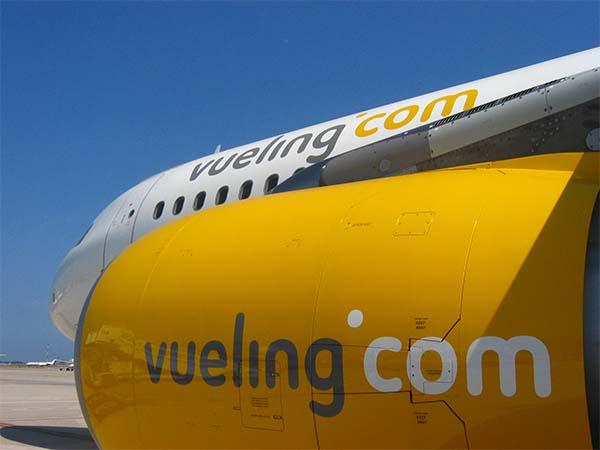Avión Vueling en vuelos económicos